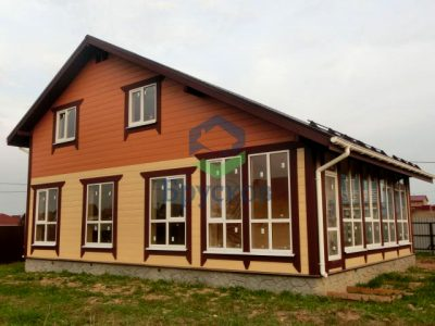 дом из бруса двускатная крыша